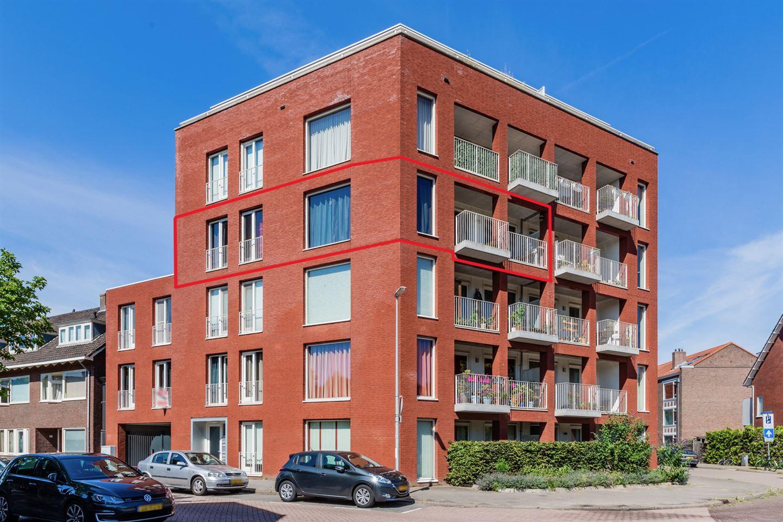 Bekijk foto 1 van Van Koetsveldstraat 118