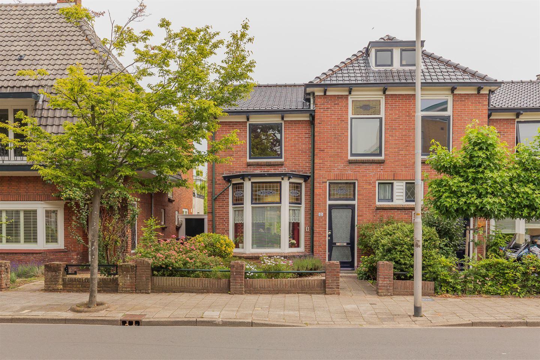 Bekijk foto 1 van Van Meerbeekstraat 15