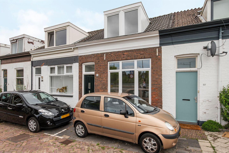 Bekijk foto 2 van Adriaan van Altenastraat 30