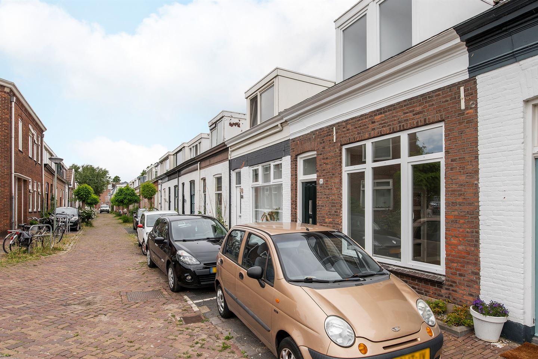 Bekijk foto 1 van Adriaan van Altenastraat 30