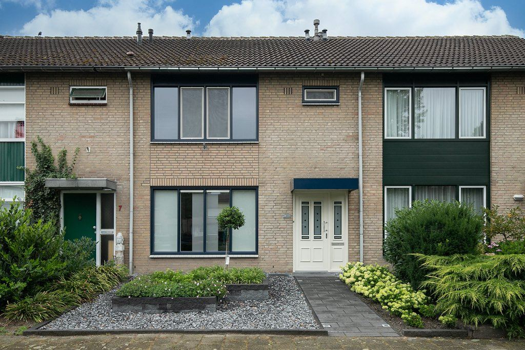 Bekijk foto 2 van Rubensplein 6