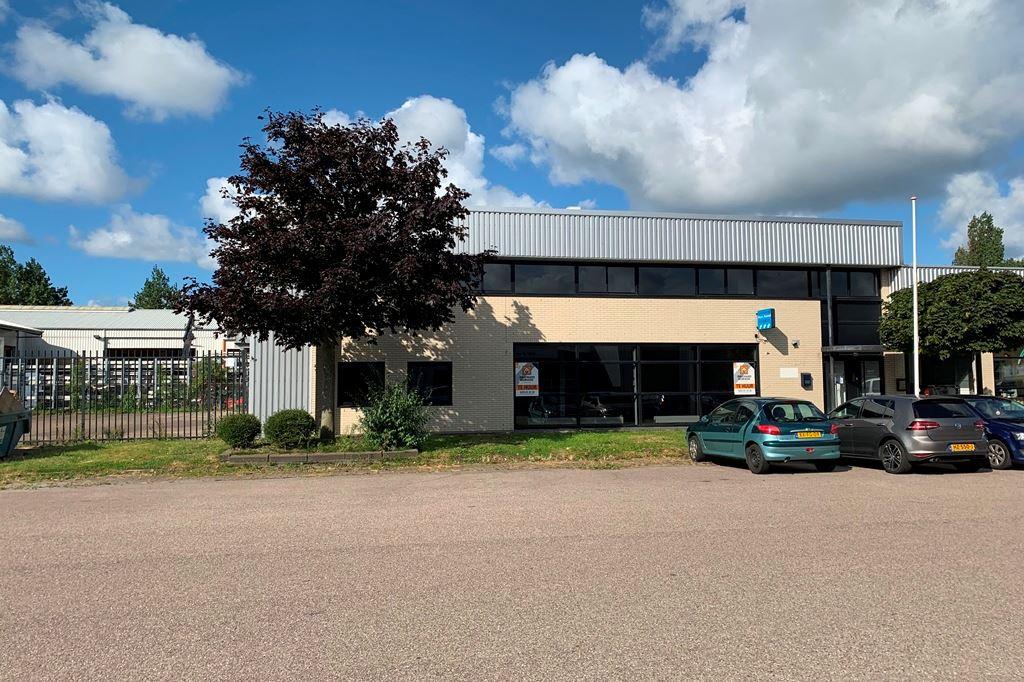 Bekijk foto 1 van Industrieweg 10 b