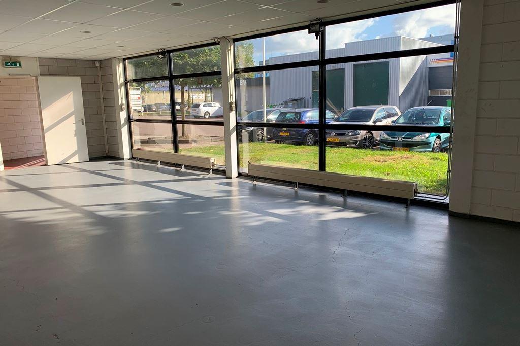 Bekijk foto 3 van Industrieweg 10 b