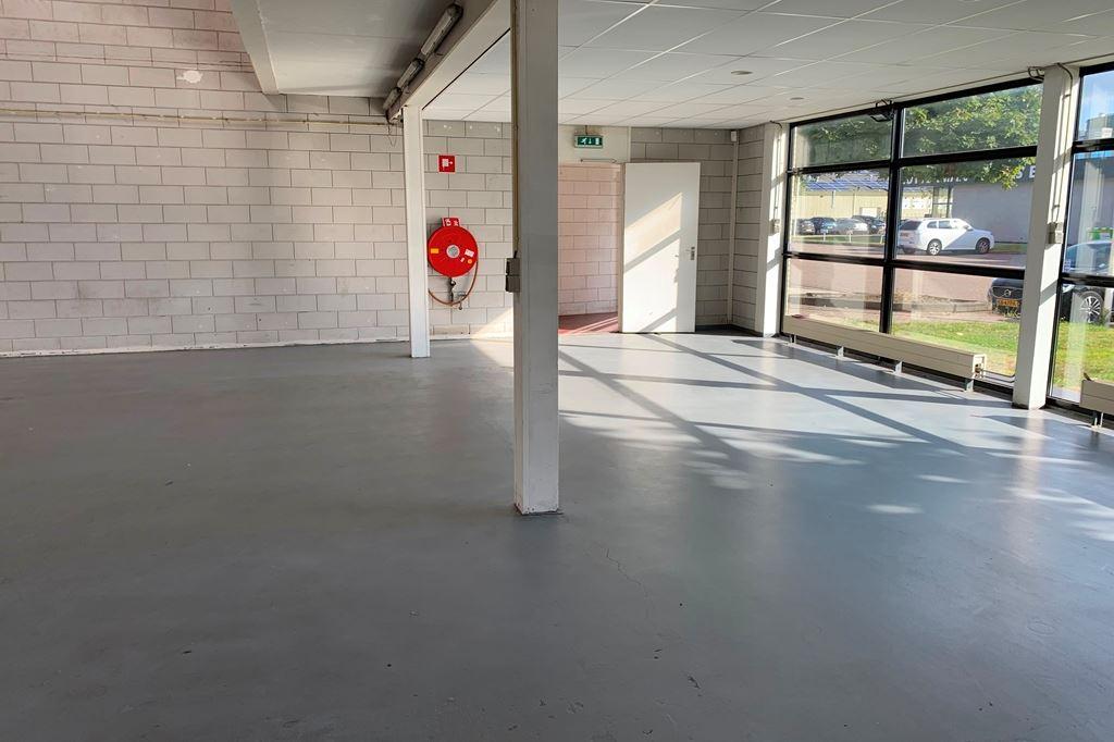 Bekijk foto 4 van Industrieweg 10 b