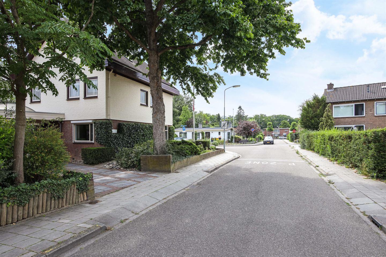Bekijk foto 5 van Van Munsterstraat 19