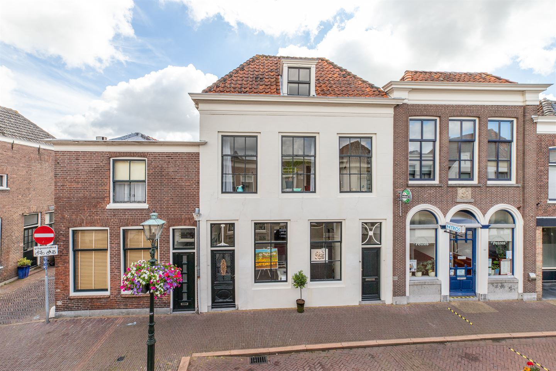 Bekijk foto 1 van Voorstraat 128 -130
