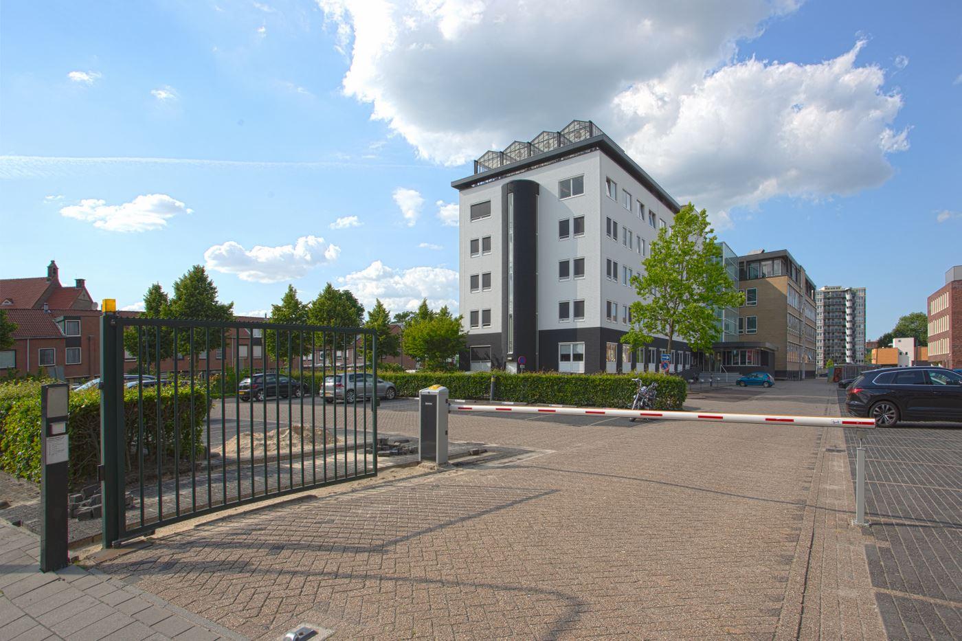 Bekijk foto 3 van Brouwerijstraat 1