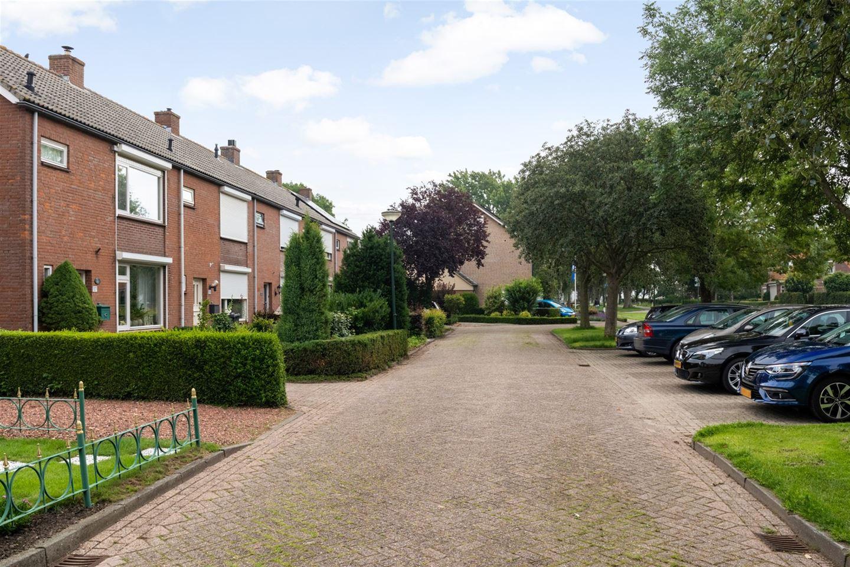 Bekijk foto 2 van Dorpsstraat 107