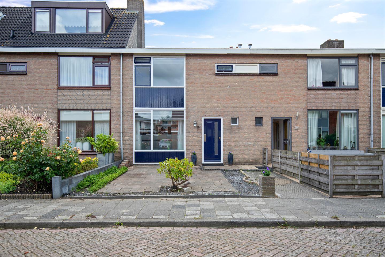 Bekijk foto 1 van J.A. de Bree-Meijerstr 14