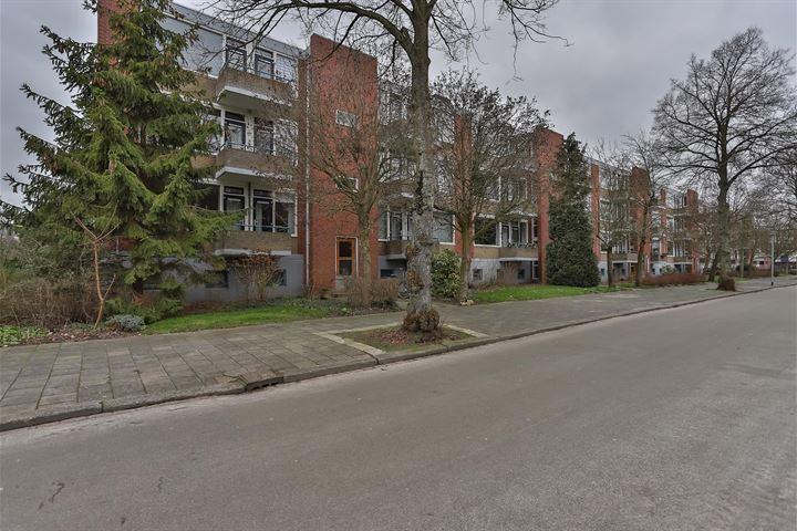 Madame Curiestraat 69