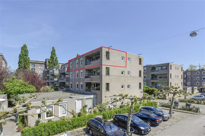 H.J.M. Walenkampstraat 71