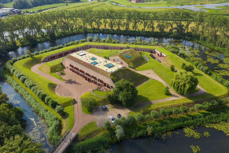 Bekijk foto 1 van Het Fort 8