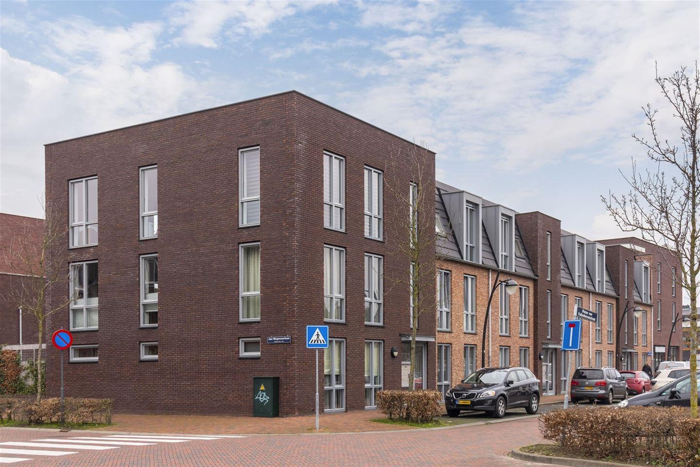 Bekijk foto 1 van Pieter van Vollenhovenstraat 5