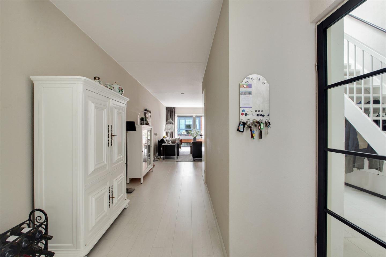 View photo 3 of Roggestraat 149