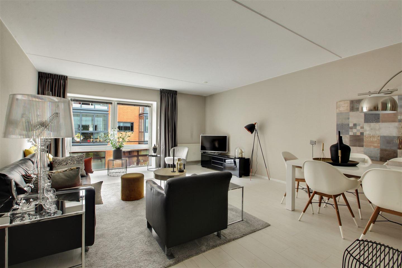 View photo 4 of Roggestraat 149