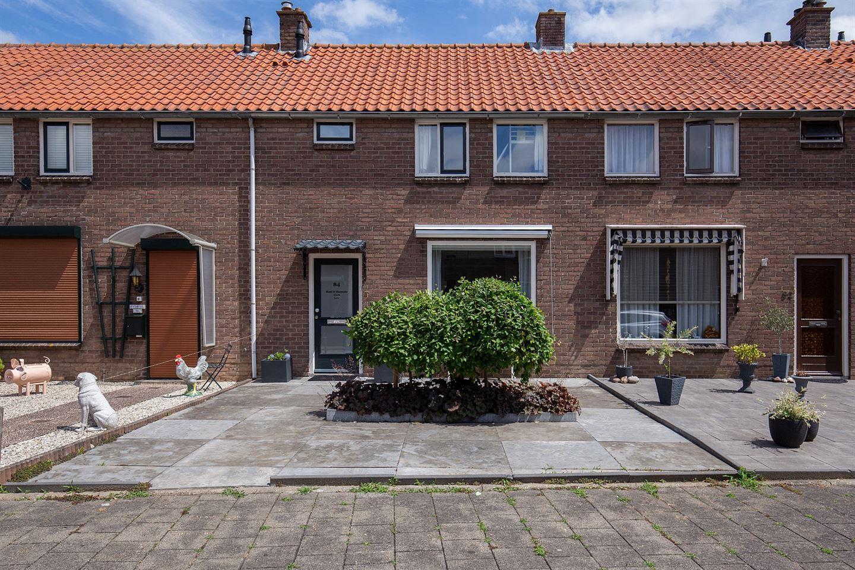Bekijk foto 1 van Mr. Heemskerkstraat 84