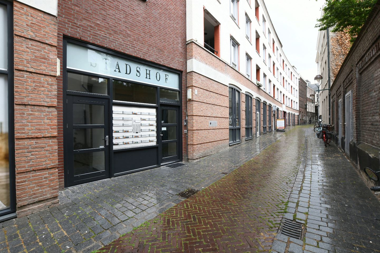 Bekijk foto 1 van Sint-Annastraat 42