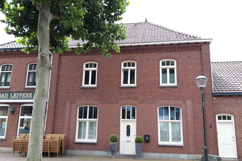 Bekijk foto 1 van Dorpstraat 3