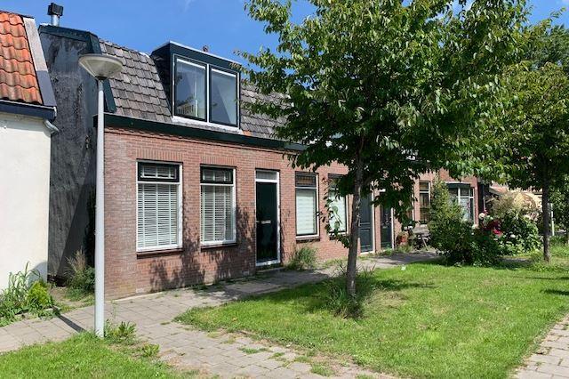 Dorpsstraat 942