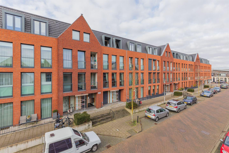 Bekijk foto 2 van Prins Hendrikstraat 44
