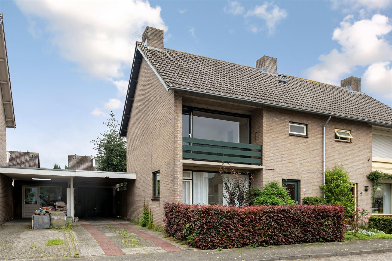 Bekijk foto 1 van Anton Derkinderenstraat 8