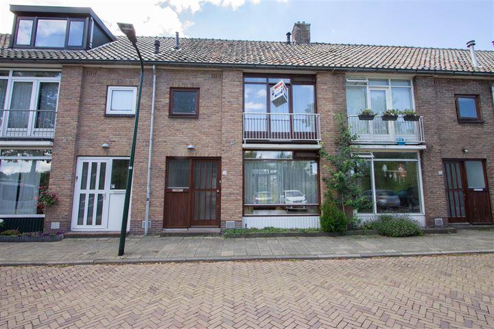 De Ruyterstraat 13