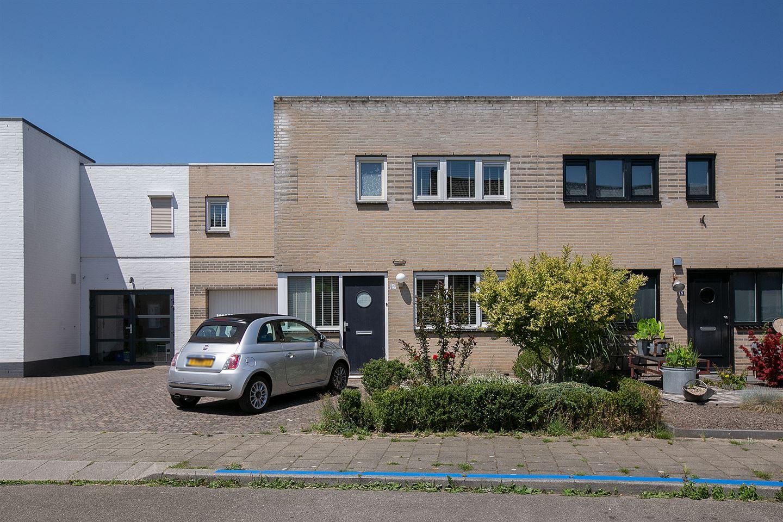 Bekijk foto 1 van Zustersstraat 3