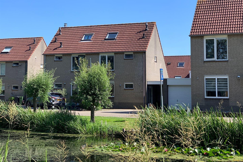 Bekijk foto 1 van Esdoornstraat 11