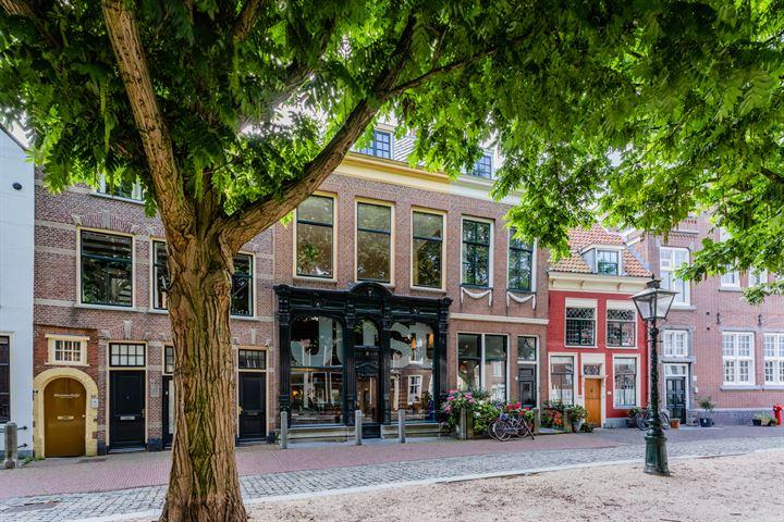Hooglandse Kerkgracht 42, Leiden