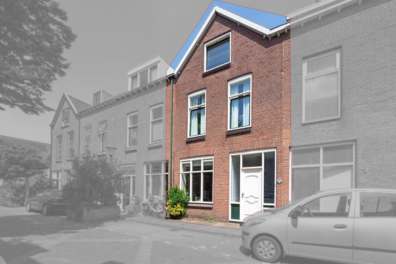 Bekijk foto 2 van Hellevoetsestraat 4