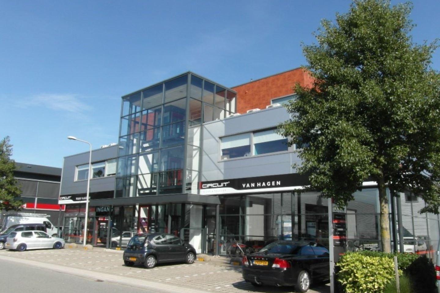 View photo 1 of Smederijstraat 16