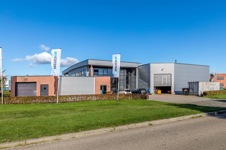 Bekijk foto 3 van Industrieweg Oost 17