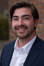 Daniel Bouwens (Real estate agent assistant)