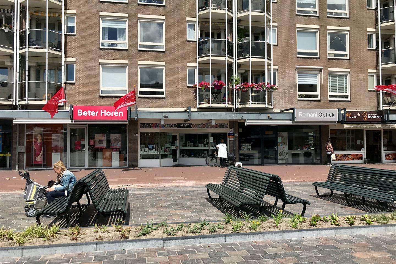 Bekijk foto 2 van Loosduinse Hoofdplein 187