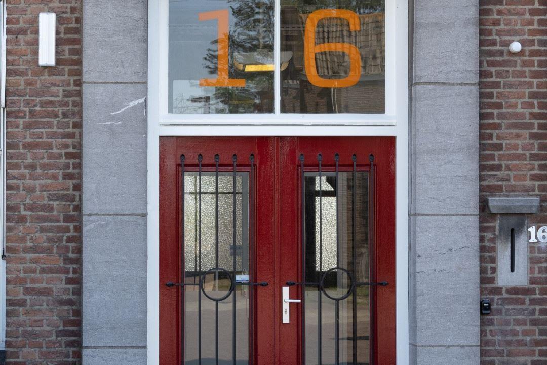 Bekijk foto 3 van Centraleweg 16
