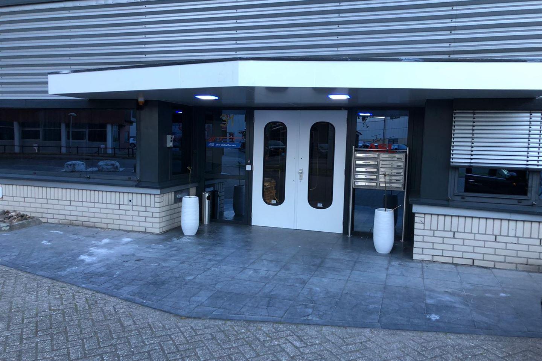 Bekijk foto 2 van Luchthavenweg 31