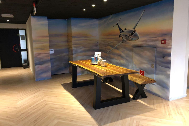 Bekijk foto 3 van Luchthavenweg 31