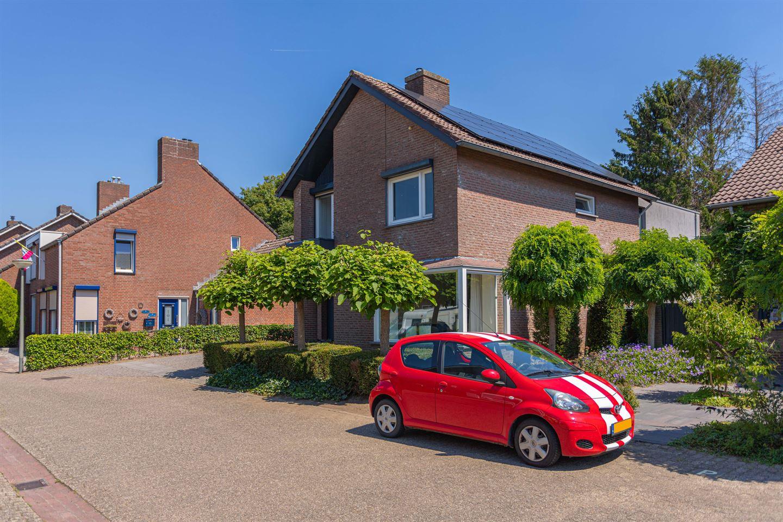 Bekijk foto 2 van Karel van Bronckhorstlaan 29