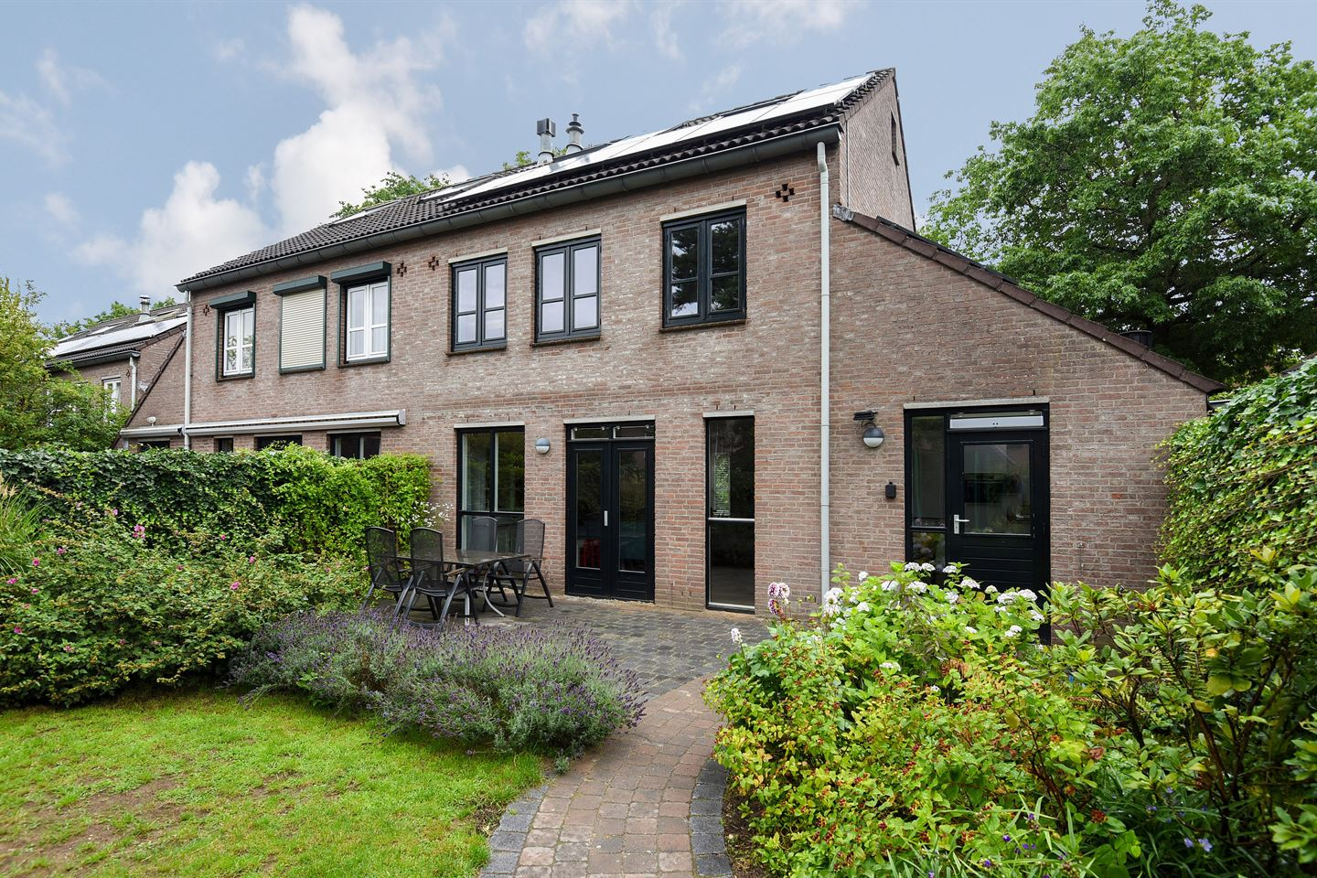 View photo 2 of Oude Bovensteweg 21