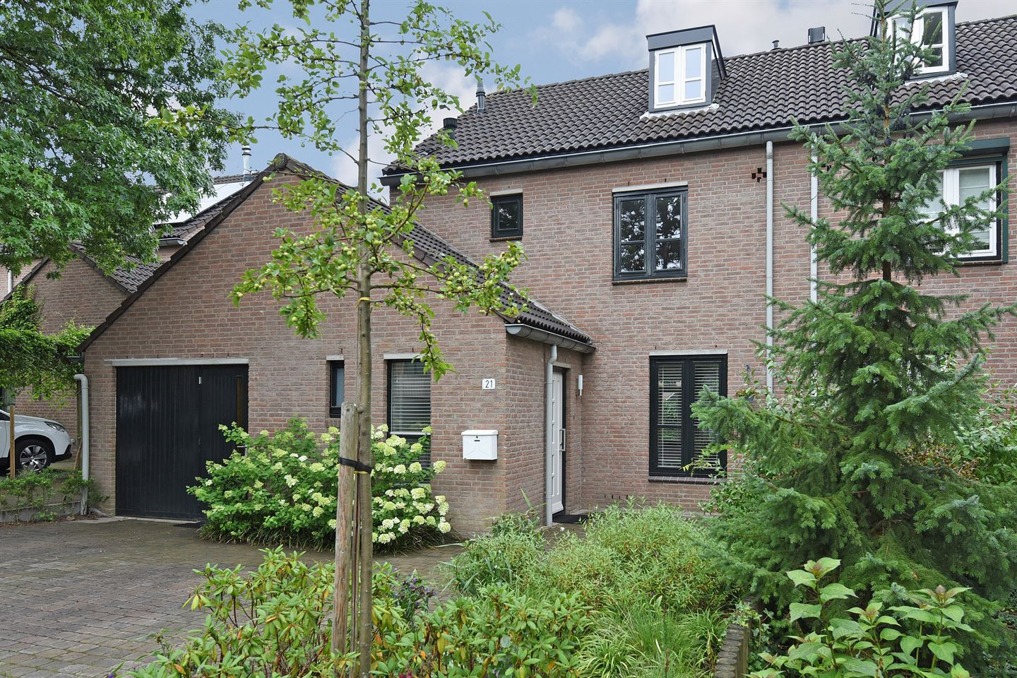 View photo 1 of Oude Bovensteweg 21