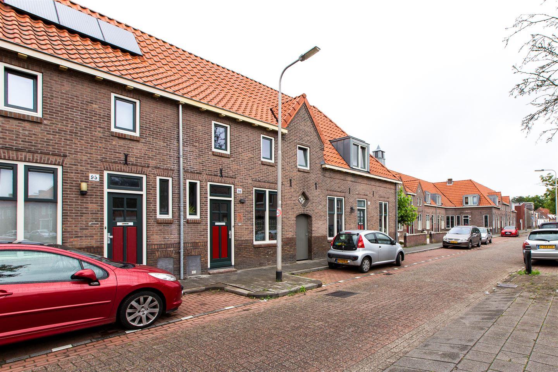 Bekijk foto 1 van Veestraat 93