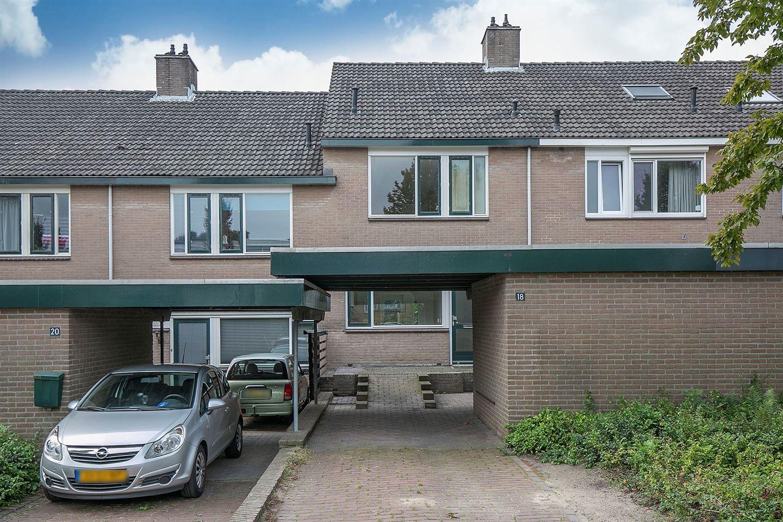 Bekijk foto 1 van van Ruysdaelweg 18