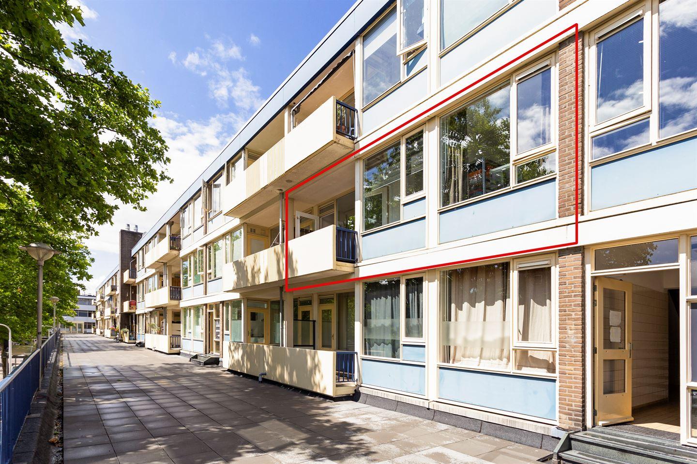 Bekijk foto 2 van Louis Bouwmeesterplein 7