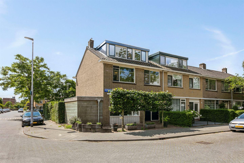 Bekijk foto 1 van De Bazelstraat 14
