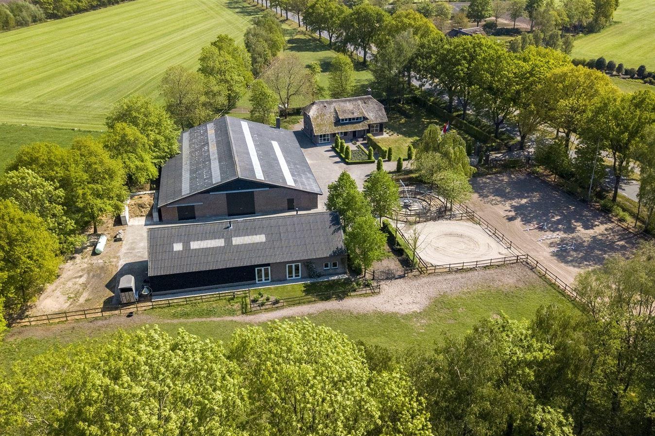 View photo 3 of Oirschotseweg 95