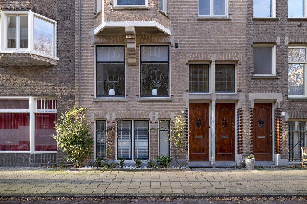 Bekijk foto 1 van Des Présstraat 4 huis