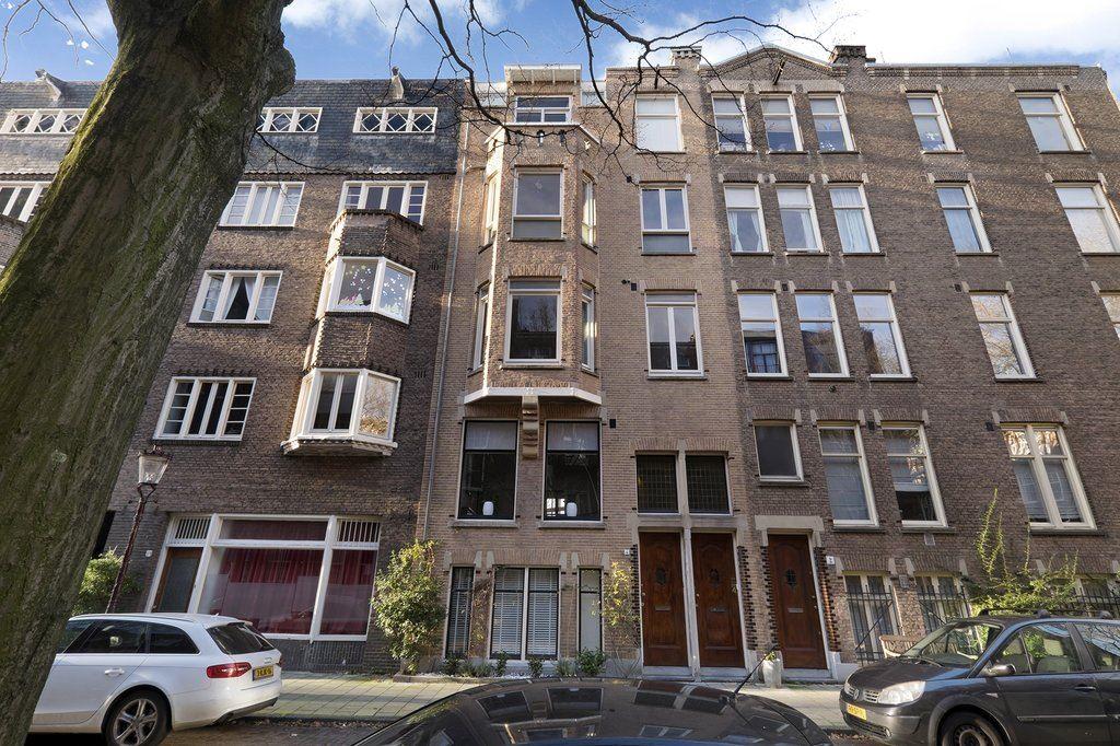 Bekijk foto 2 van Des Présstraat 4 huis