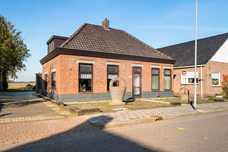 View photo 2 of Oudeweg 3