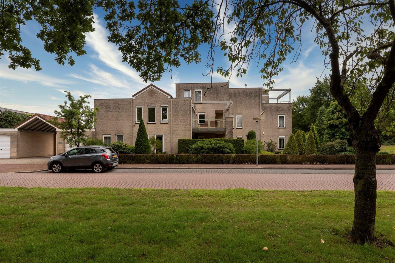 Bekijk foto 1 van Johannes Vermeerlaan 8