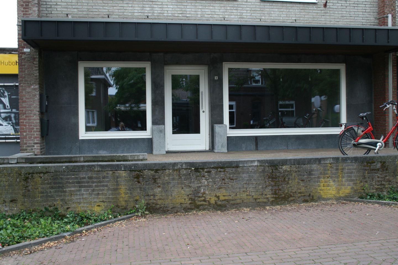 Bekijk foto 2 van Raadhuisplein 4